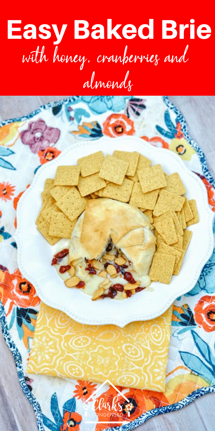 Baked brie is a classy recipe that takes minutes to throw together! Perfect for your upcoming parties #appetizer #sidedish #bakedbrie #brie #cheese via @simplysidedishes89