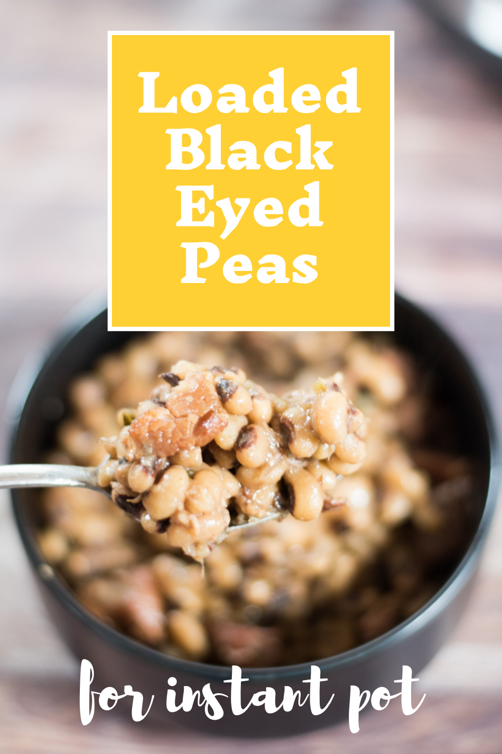 These Instant Pot Black Eyed Peas are full of bacon, pork, and flavor! Great recipe! via @simplysidedishes89
