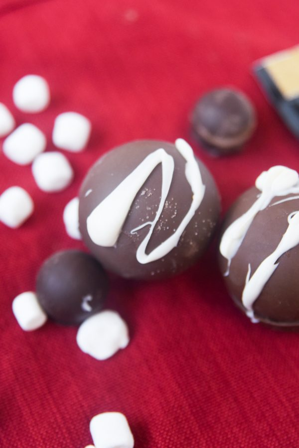 hot cocoa bombs with white chocolate