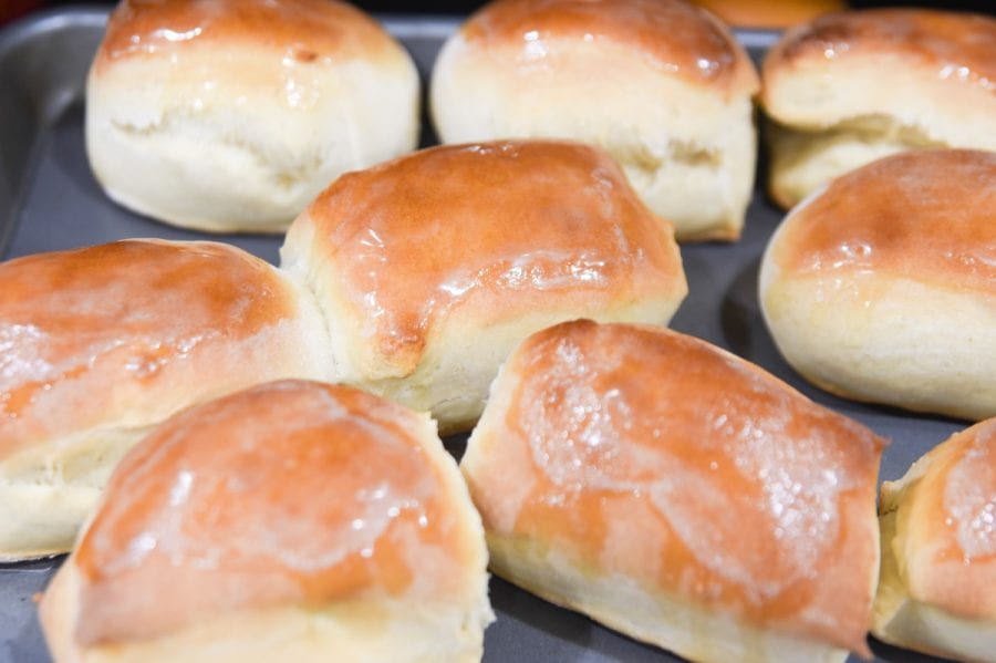 texas roadhouse rolls on a pan